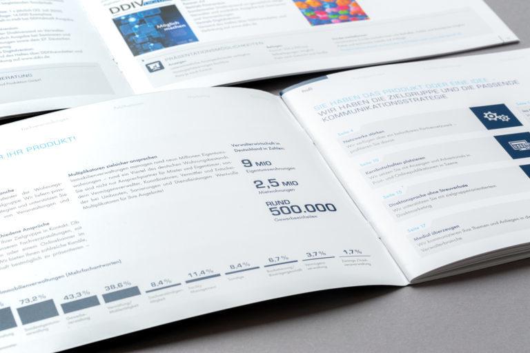 Broschürengestaltung für die VDIV Mediadaten 2019. Printdesign und Layout.