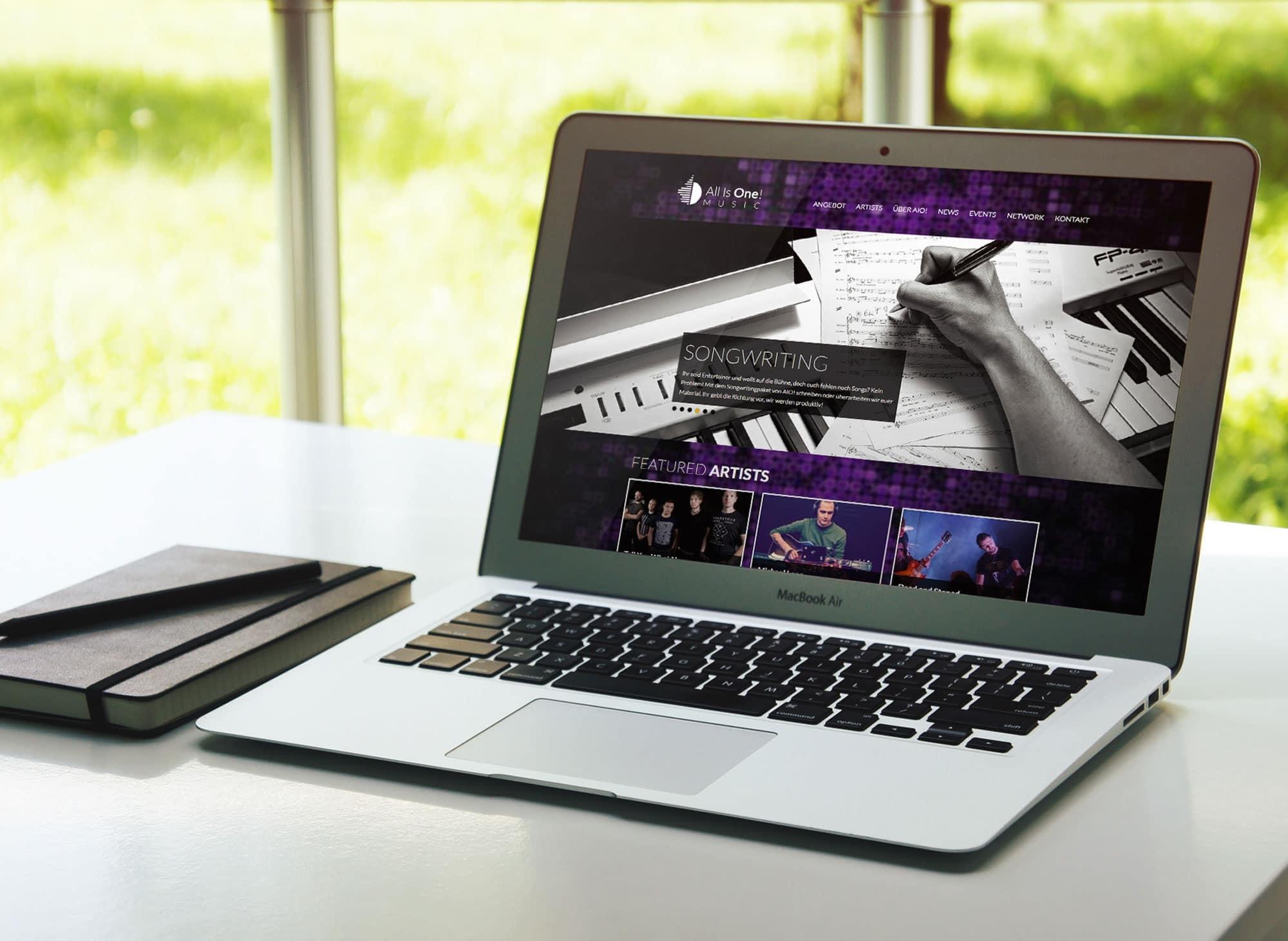 Corporate Design Logo Design Fotografie Web Design UX/UI Design Geschäftspapiere AIO